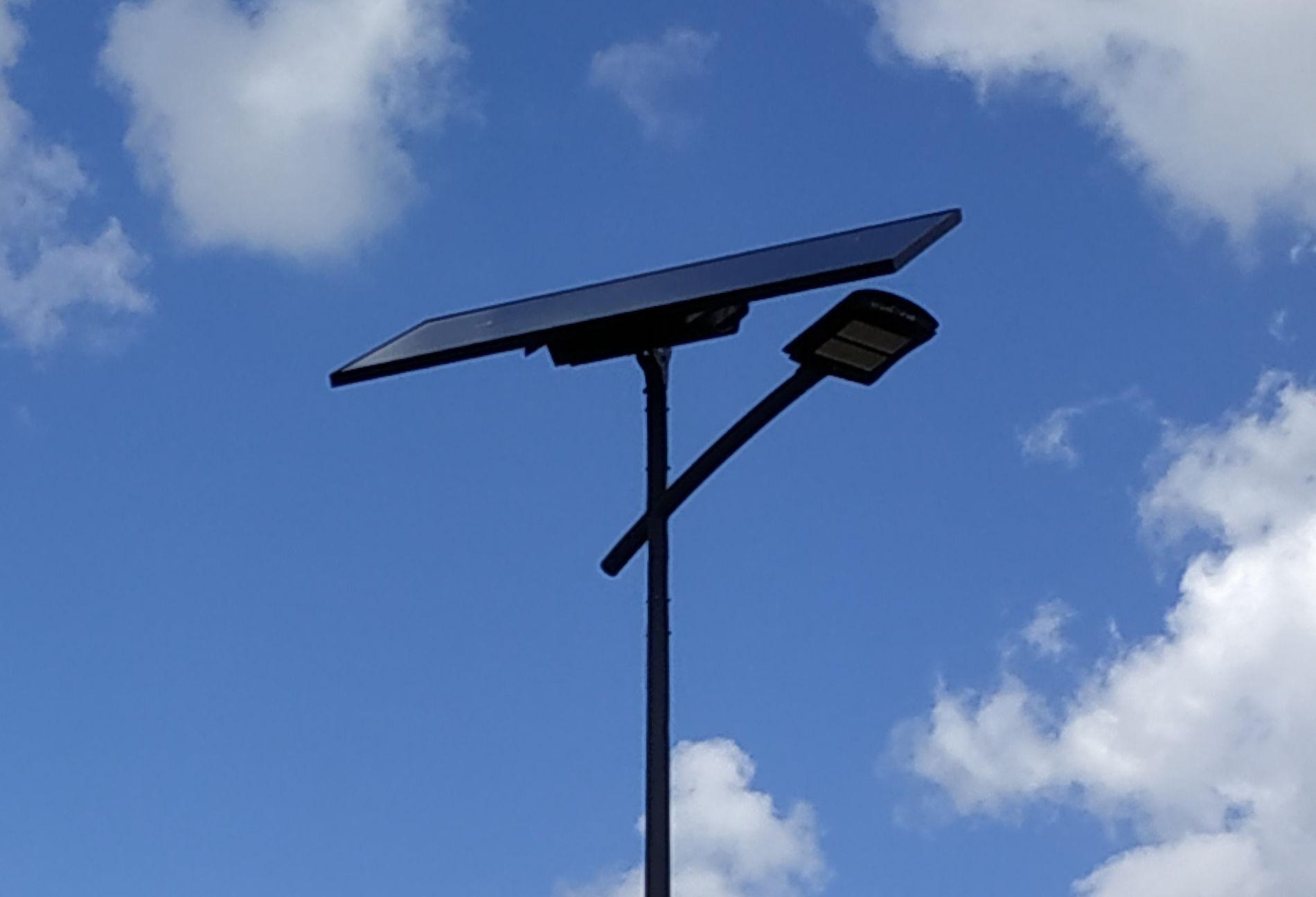 Éclairage public solaire dans la commune de Réméréville.